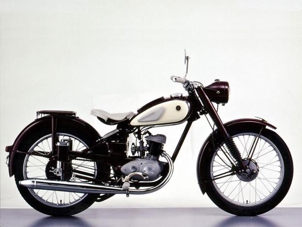 Chiếc xe đầu tiên của Yamaha - YA-1 vô cùng tinh tế và nổi bật.